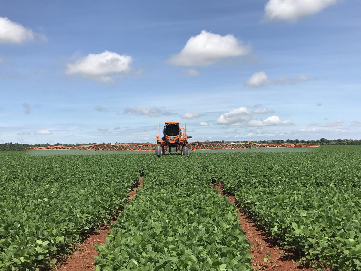 Soybean fungicide application in Brazil