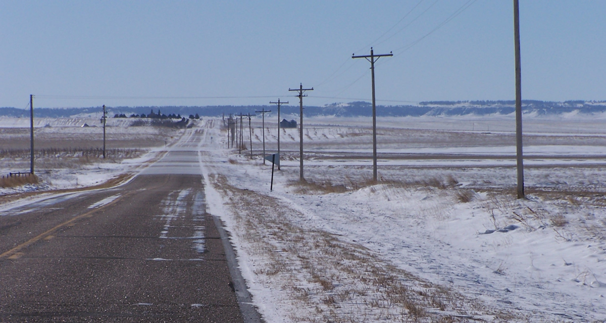 Blowing-snow-across-road-notill