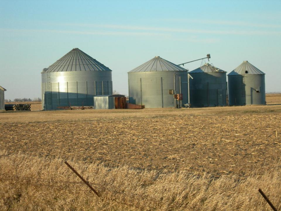 how to reduce on farm grain drying energy costs
