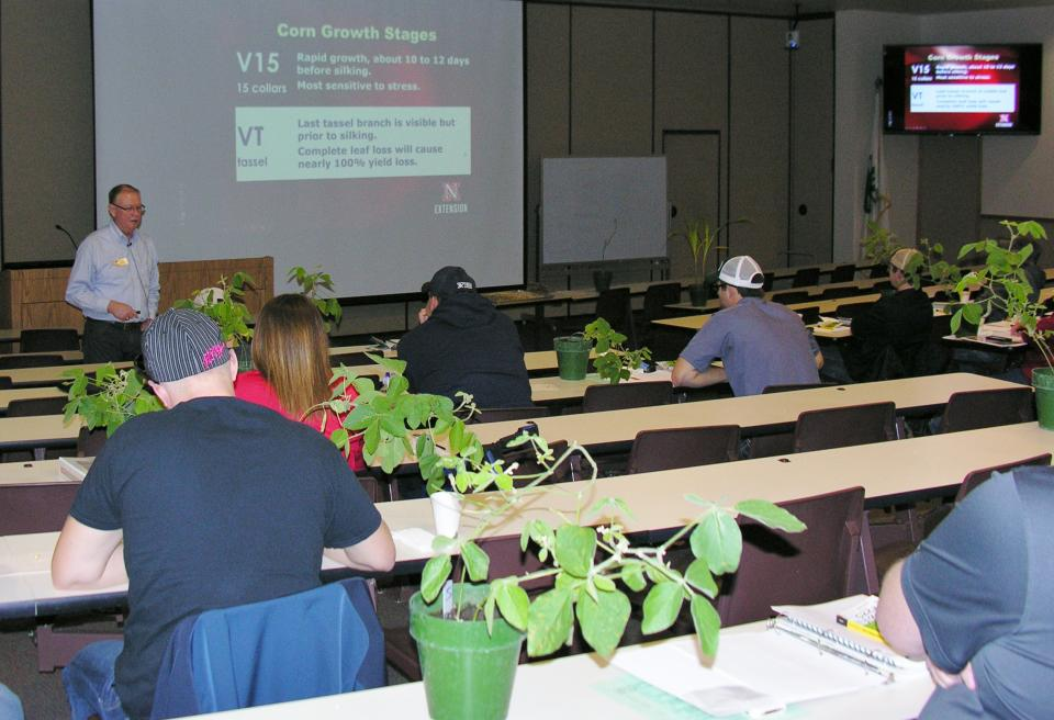 Nebraska Extension Educator Keith Glewen Is Shown Teaching About Corn  Growth Stages At The 2016 Nebraska Extension Crop Scout Training.