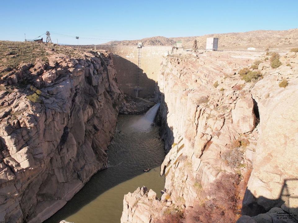 Water flowing at Pathfinder Dam