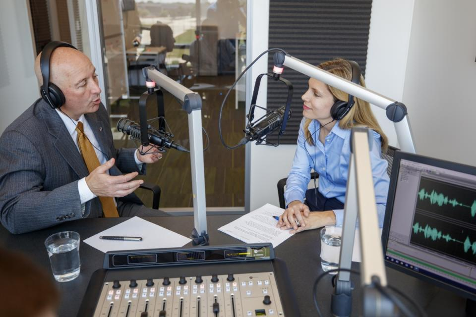 Yeutter Institute Director Jill O'Donnell visits with Nebraska Governor Pete Ricketts during the first episode of Trade Matters, a podcast of the Yeutter Institute. (Craig Chandler - University Communication)