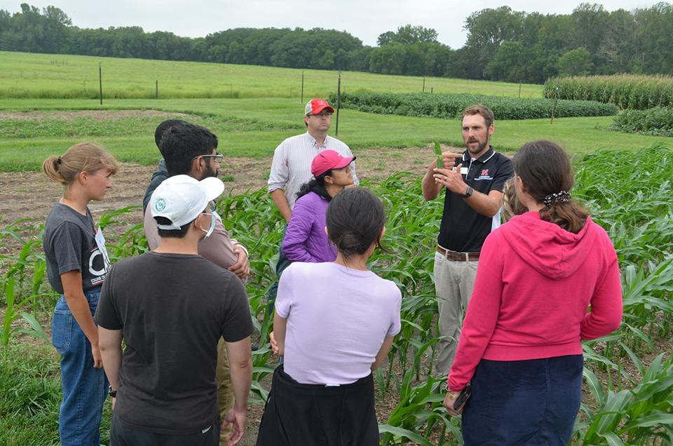 Extension field day discussion