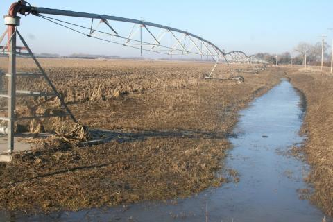 Flooded center pivot east of Schuyler (Photo by Aaron Nygren)